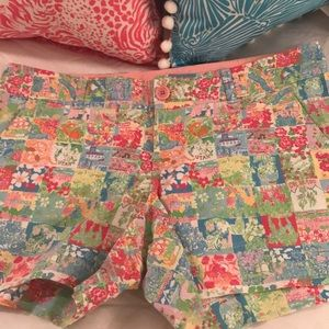 """Lilly Pulitzer size 10  Shorts. 5"""" inseam"""
